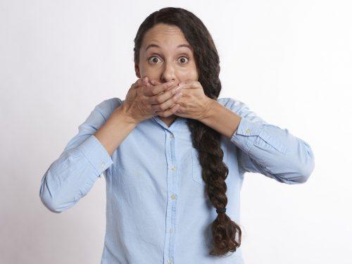 Elogio del pettegolezzo (altro che app Immuni!)